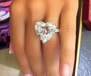heart and dimond ring image