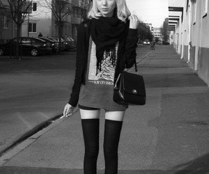 thinspo, skinny, and black and white image