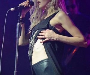 Taylor Momsen and music image
