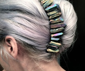 bun, dyed hair, and pelo image