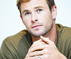 chris hemsworth and thor image