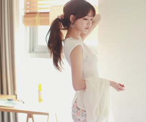 mint, ulzzang, and cherry-spoon image
