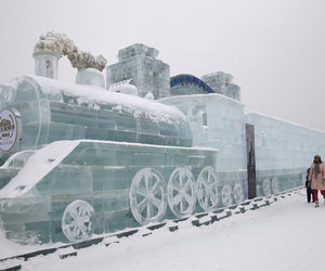 ice, sculpture, and train image