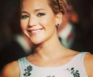 Jennifer Lawrence and premier mockingjay part 1 image