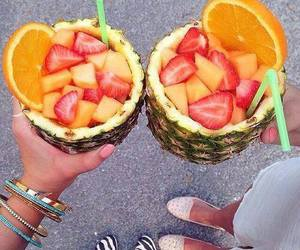 fresh, drinks, and frutas image