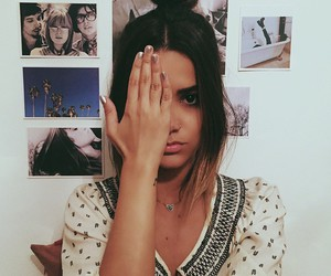 girl, manu gavassi, and hair image