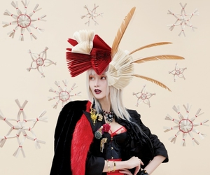 fascinator, feather hat, and red image