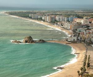 city, sea, and mar image