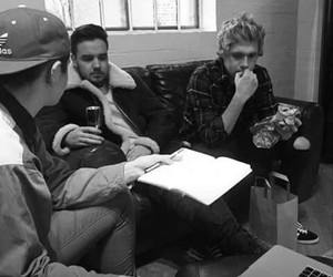 black and white, one direction, and niall horan image
