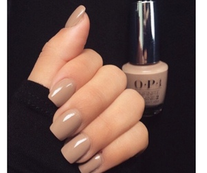 nails, nail polish, and Nude image