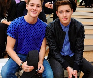 finn harries, twins, and jack harries image