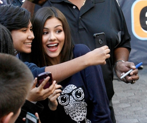 fans, Queen, and victoria justice image