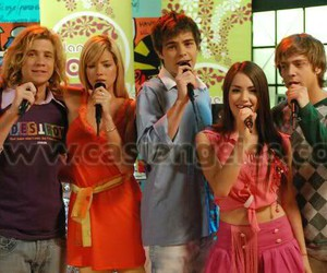 teen angels, casi angeles 3, and la nueva ola image