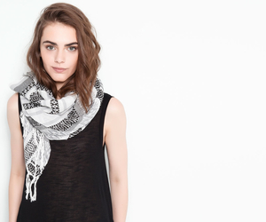 beauty, girl, and scarf image