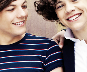 louis tomlinson and Harry Styles image