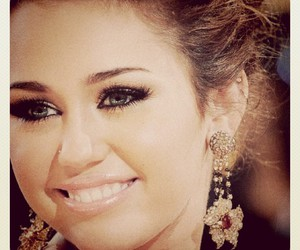 miley cyrus, beautiful, and girl image