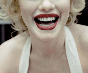 Marilyn Monroe, smile, and red image