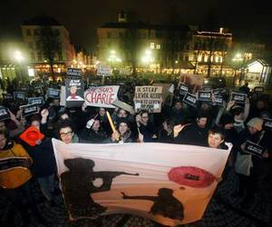 peace, no hate, and je suis charlie image