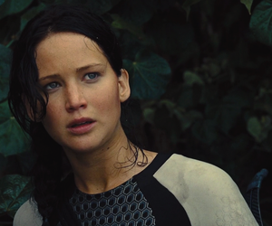 katniss everdeen, Jennifer Lawrence, and catching fire image