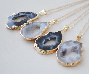 pendant, slice, and agate image