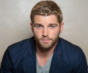 mike vogel and under the dome image