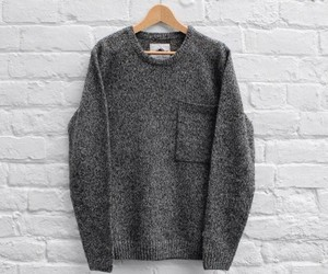 gris, invierno, and sweater image