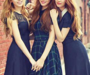 tiffany, taeyeon, and seohyun image
