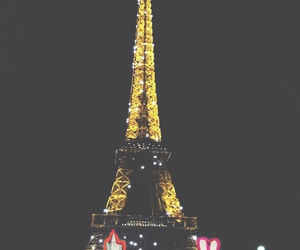 eiffel tower, francia, and night image