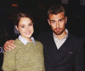Shailene Woodley, theo james, and divergent image