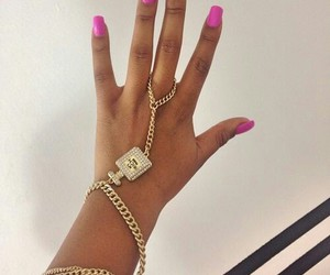 girl and jewelry image