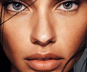 model, Adriana Lima, and eyes image