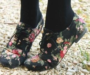 oxford shoes and playful kiss image