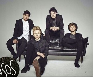 5sos, luke hemmings, and ashton irwin image