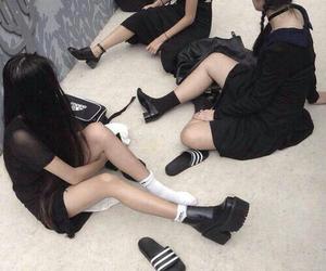 black, grunge, and girl image