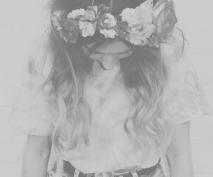 b&w, flower crown, and girl image