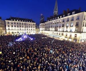 manifestation, hommage, and paris image