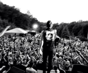 live and crown the empire image