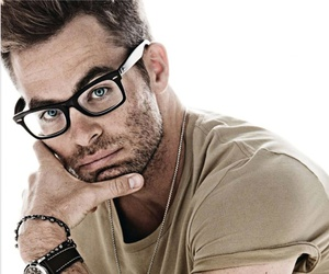 beautiful, chris pine, and nerdy image