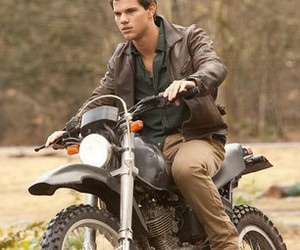 Taylor Lautner, twilight, and Hot image