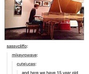 luke hemmings, 5sos, and piano image