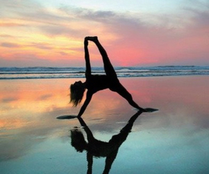 sea and yoga image