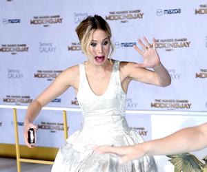 Jennifer Lawrence, mockingjay, and thg image