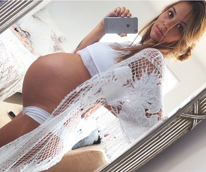 mommy, pregnant, and selfie image