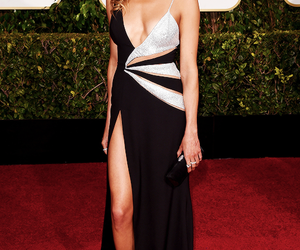 katie cassidy, arrow, and red carpet image