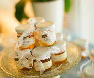 honey, spring, and wedding favors image
