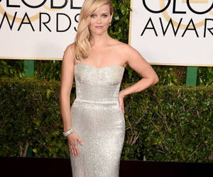 Reese Witherspoon, golden globes, and red carpet image