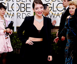 lorde, golden globes, and red carpet image