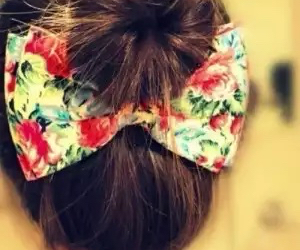 bow, brunette, and green image