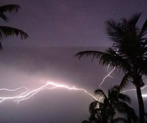 lightning, grunge, and pale image
