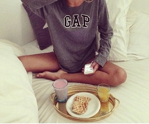 girl, breakfast, and GAp image